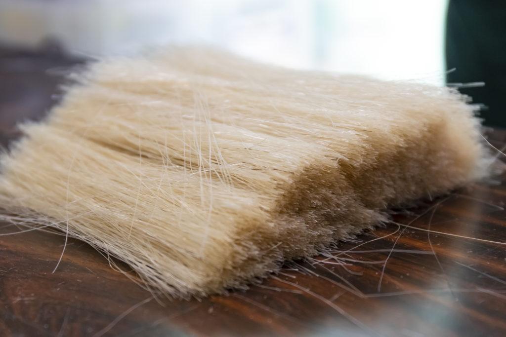 洋服ブラシでは馬毛を使用